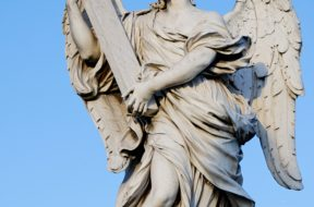 angel_ponte_sant_angelo_cross
