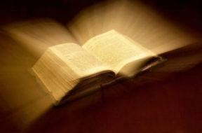 BibleGlowingblur-small